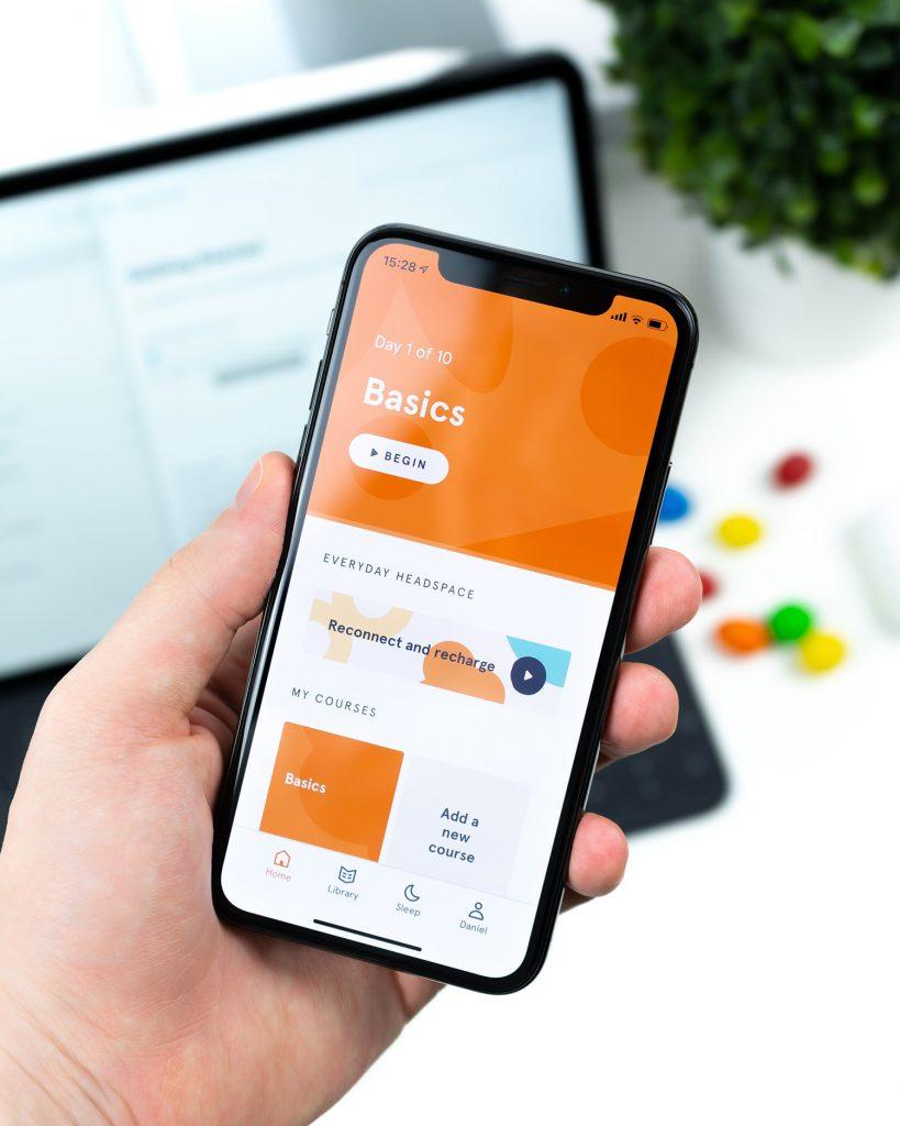 スマートフォンでuiuxデザイン確認